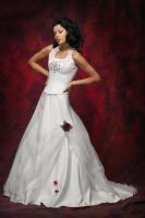Neckholder-Brautkleid