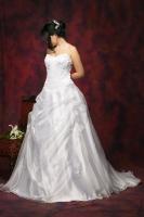 Brautkleid aus Satin und Organza