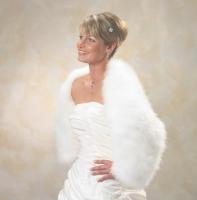 edle Stolen zum Brautkleid