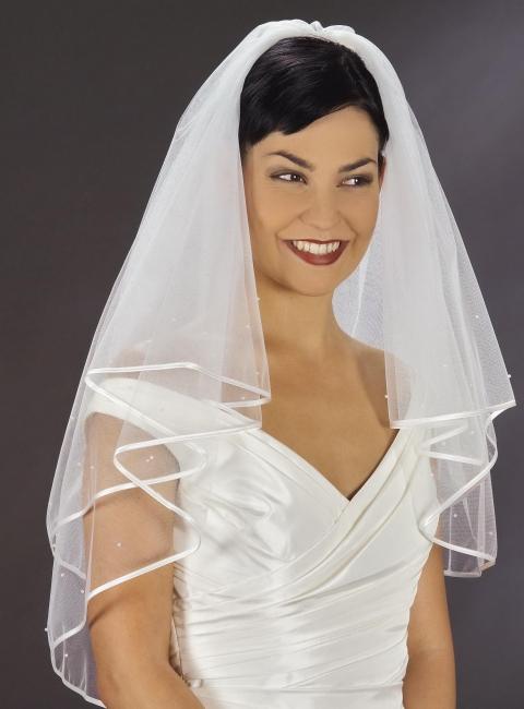 Brautschleier  Brautschleier mit Perlen, Satin