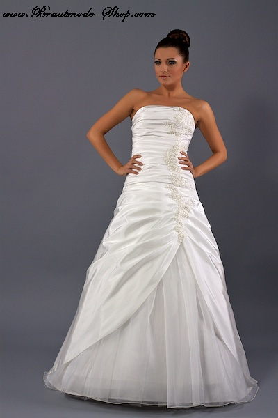 Beförderung viele modisch verrückter Preis Brautkleid nach Maß incl. Reifrock
