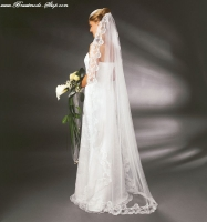 langer Brautschleier mit Spitze von Emmerling