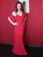Abendkleid mit einer Rose & Stola / rot